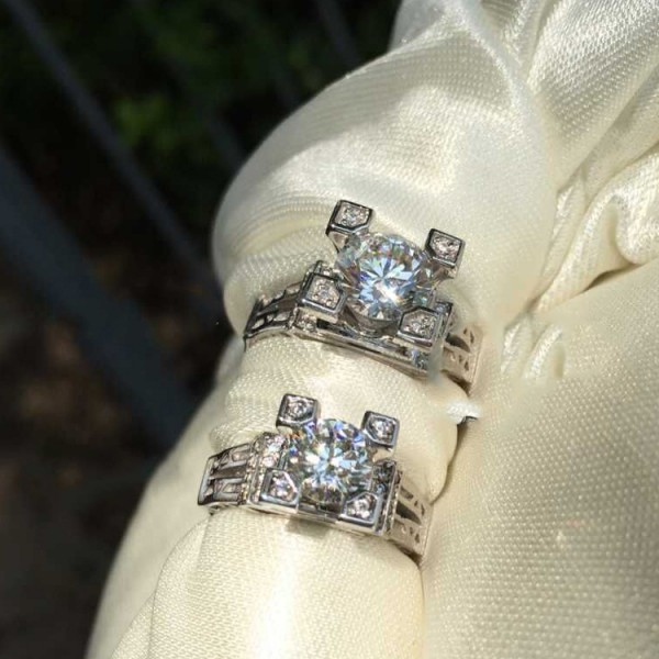 18k White Gold Eiffel Tower Wedding Ring