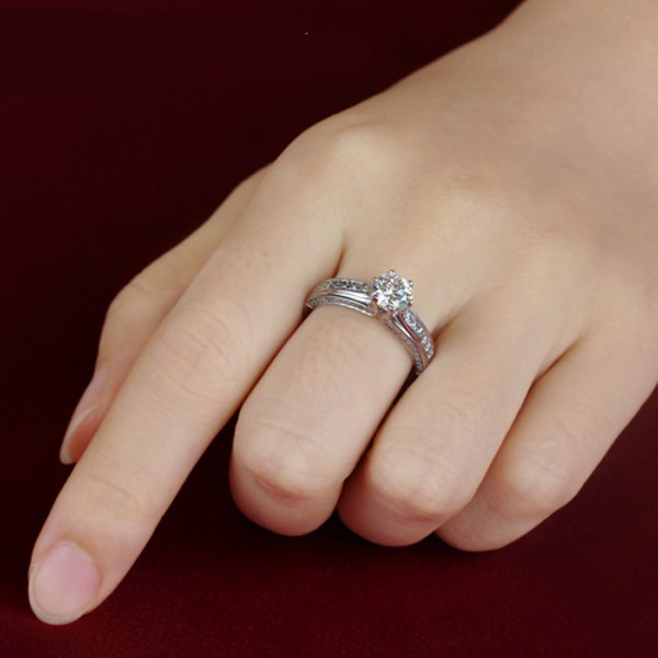 shiny 925 sterling silver engagement wedding ring with big round artificial diamond - Big Wedding Ring