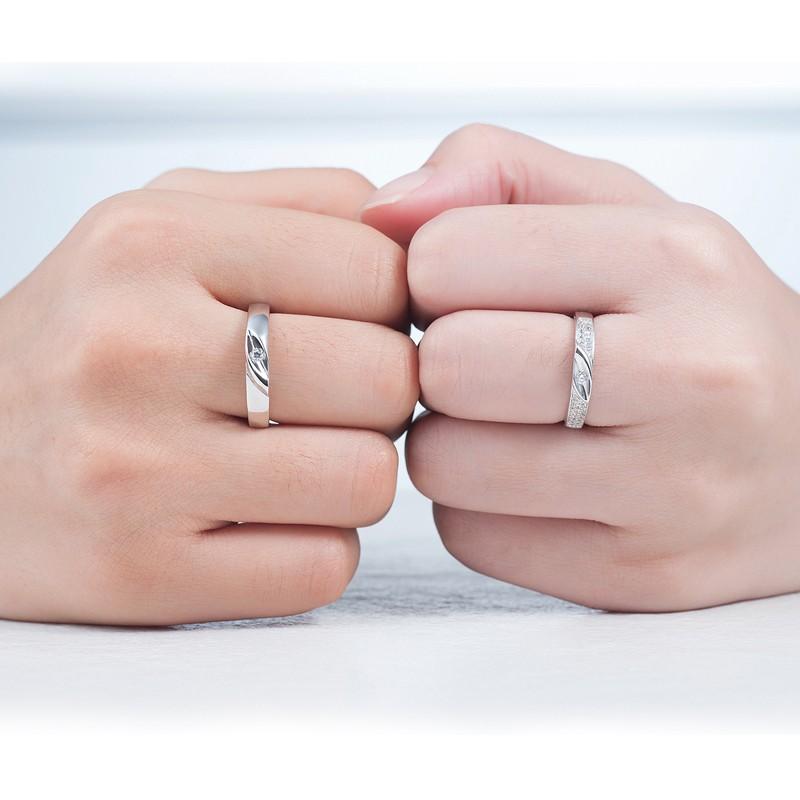 Hãy trao cho nhau những chiếc nhẫn lộng lẫy nhé.