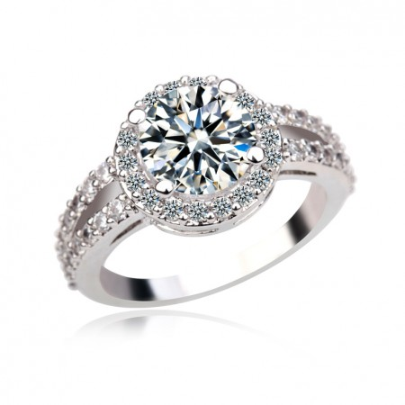 Lady's Gorgeous White Gold Plated Ring With Cubic Zirconia Inlaid