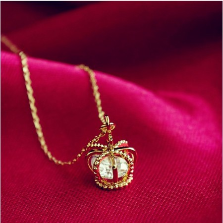 Elegant Cute Crystal Crown Women's Fashion Necklace