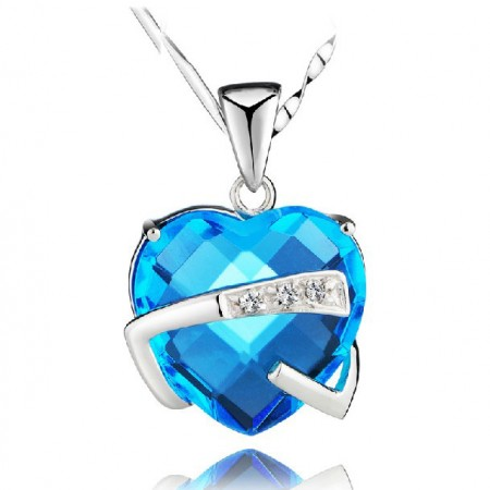 Romantic Hug My Heart Crystal Pendant Women's Sterling Silver Necklace