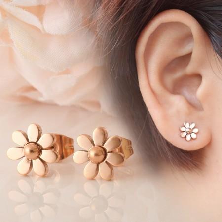 Elegant 18K Rose Gold Plated Titanium Daisy Woman's Stud Earrings