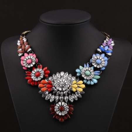 Exquisite Colorful Gemstone Inlaid Clavicle Chain/Statement Necklace