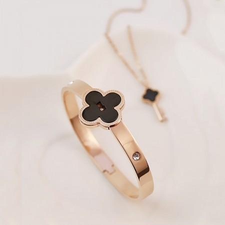 Romantic Beautiful Titanium Lover's Bracelet And Necklace Sets