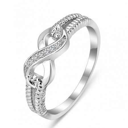Fashion pour 8 Crystal Ring