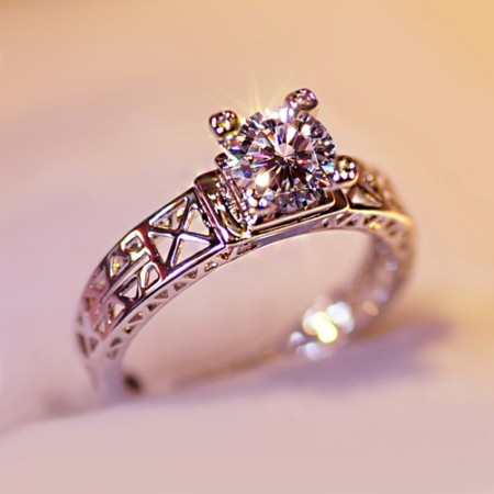 Cut-out Eiffel Tower Design Crystal Alloy With Rose Gold/ White Gold Women's Ring
