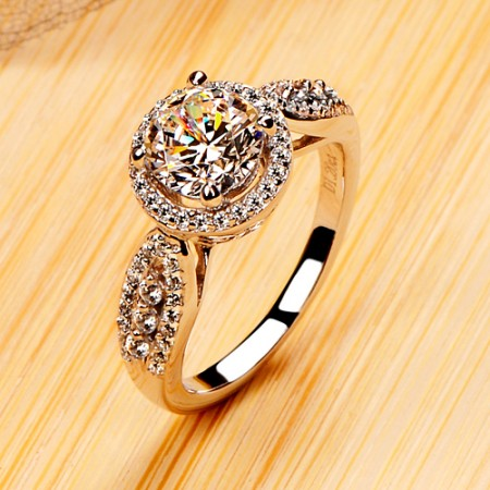 925 Sterling Silver Platinum Plated Women's Ring with Round Cut Cubic Zirconia