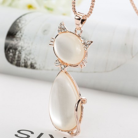 Fashion Crystal Opal Diamond Cat Necklace