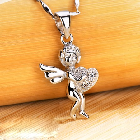 Europe High-End Fashion Original Angel-Heart Woman's Necklace