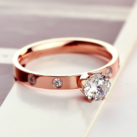 Latest 18K Rose Gold Engagement Ring With Rhinestone