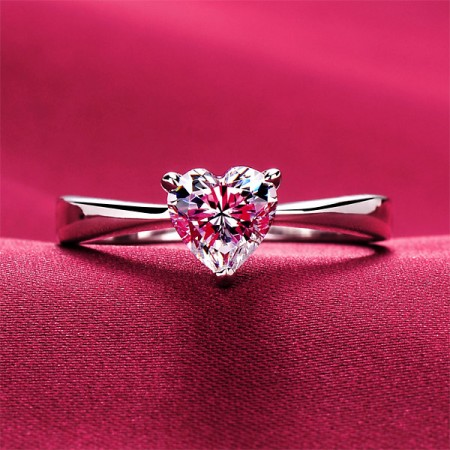 0.6 Carat Simulated Diamond Engagement/Wedding/Promise Ring For Her