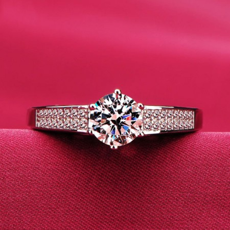 0.8 Carat Simulated Diamond Engagement/Wedding/Promise Ring For Her