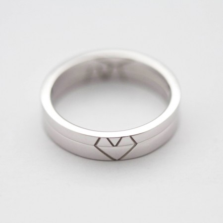 M And V Unique Heart-Shaped s925 Sterling Silver Lovers Couple Rings