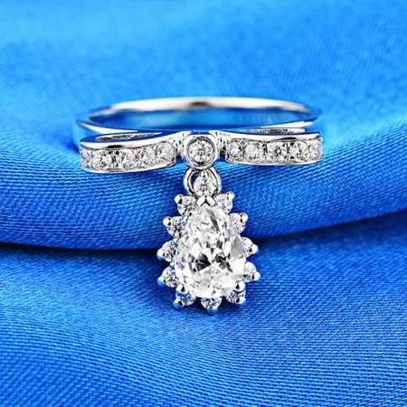 0.8 CT 925 Silver Platinum Plated Pear Simulated Diamond Promise/Wedding/Engagement Ring For Women Girl Friends Valentine's Day Gift