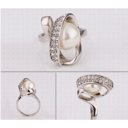 18K Platinum Pearl Ring