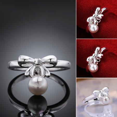 Elegant Bow Inlaid Pearl Ring