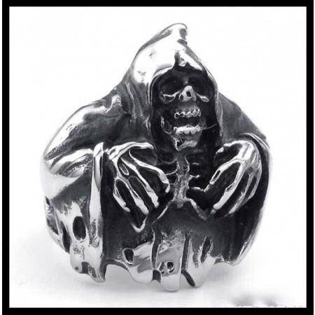 Sorcerer Skull Punk Ring