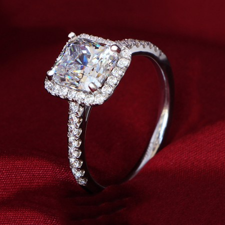 Luxury Four Claws 2.35Ct Diamond Simulation Engagement Ring