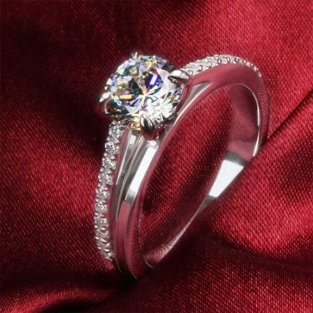 Exquisite 1Ct Diamond Engagement Ring