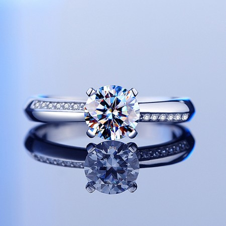 New Exquisite S925 Silver Inlaid Cubic Zirconia Engagement Ring