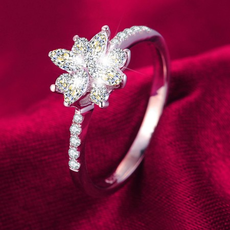 Luxury Elegant 925 Sterling Silver Inlaid Simulation Diamond Engagement Ring