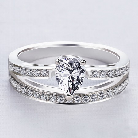 Europe Fashion Noble Crown With Quatity Cubic Zirconia Engagement Ring
