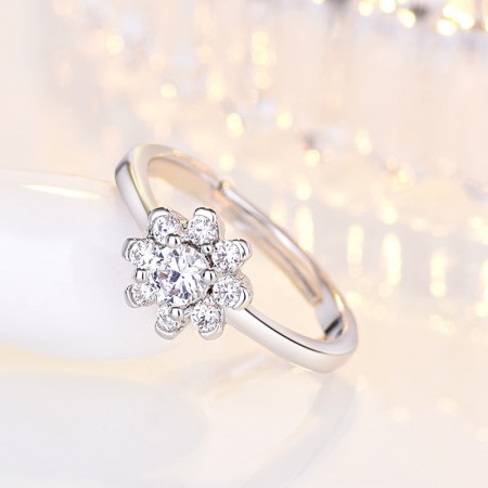 """""""Fall In Love"""" 925 Sterling Silver Snowflake Engagement Ring"""