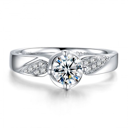 High-End Classic Style 925 Sterling Silver Inlaid Cubic Zirconia Engagement Ring