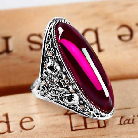 Europe Exaggerated Domineering 925 Sterling Silver Inlaid Garnet Ring