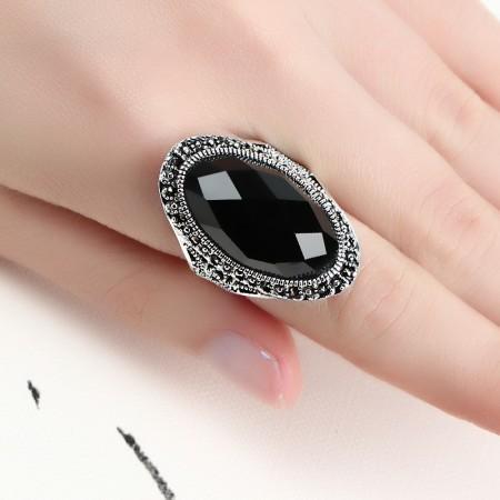 Retro Temperament 925 Silver Inlaid Oval Black Onyx Gemstone Ring
