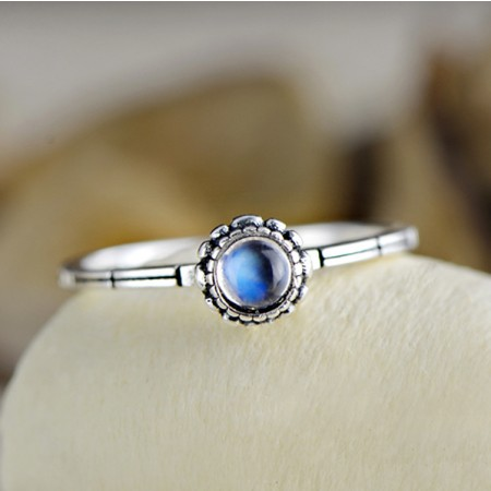 Delicate Wild Fashion S925 Sterling Silver Inlaid Natural Moonstone Ring