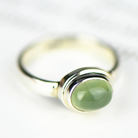 Simple Fresh 925 Sterling Silver Inlaid Natural Grape Stone Ring