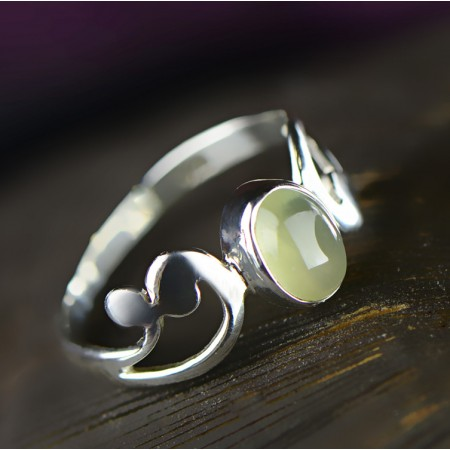 Retro Fashion Romantic Waves S925 Silver Inlaid Grapes Stone Ring