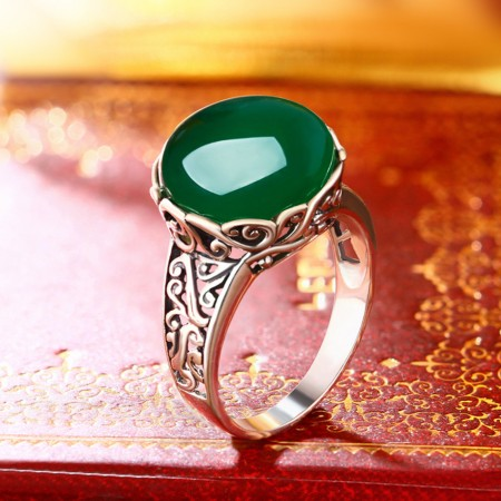 925 Sterling Silver Inlaid Natural Green Chalcedony Exquisite Carving Edge Ring