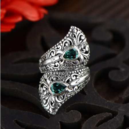 Noble Gorgeous Carved Hollow S925 Silver Inlaid Gemstone Ring