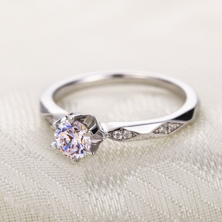 Perfect Gift 925 Silver Inlaid Six Claw Cubic Zirconia Elegant Engagement Ring