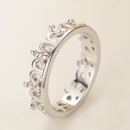 Beautifully Packaged 925 Silver Hollow Crown Engagement Ring