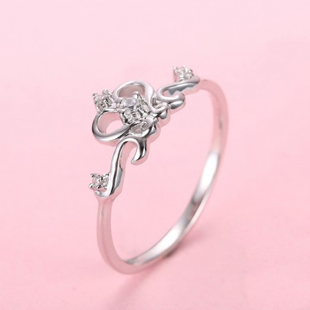 S925 Silver Inlaid Cubic Zirconia Heart-Shaped Court Crown Engagement Ring