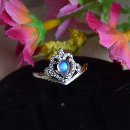 New Hot Sale 925 Sterling Silver Inlaid Moonstone Personalized Princess Crown Ring