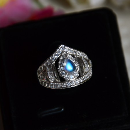 Unique Luxury 925 Sterling Silver Inlaid Moonstone Retro Princess Crown Ring