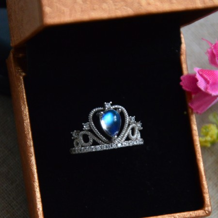 Retro Carved Craft 925 Sterling Silver Inlaid Moonstone Hollow Princess Crown Ring