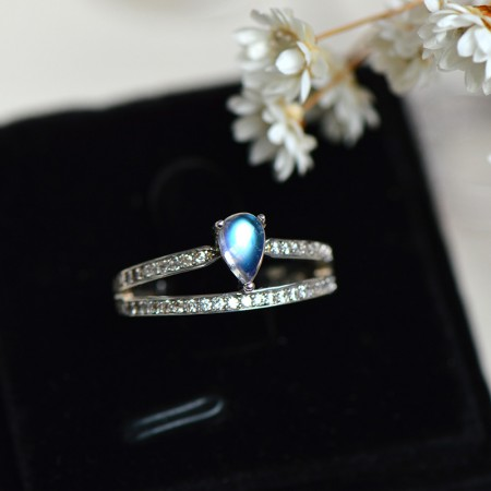 Simple Cute Exquisite 925 Sterling Silver Inlaid Moonstone Princess Crown Ring