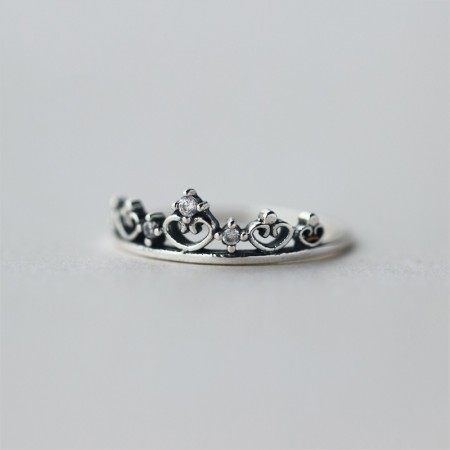 Literary Retro Pure Silver Inlaid Cubic Zirconia Crown Ring
