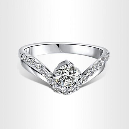 Korea Retro 925 Silver Inlay Super Flash Cubic Zirconia Crown Ring