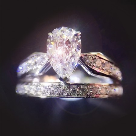 Classic Style Luxury Double Set Crown Ring With Pear Shape Cz