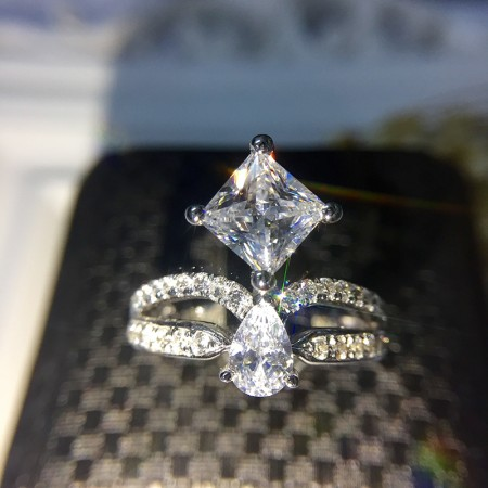 Exclusive Original Luxury Silver Plated Gold Inlaid 1ct Dazzling Cubic Zirconia Woman's Ring