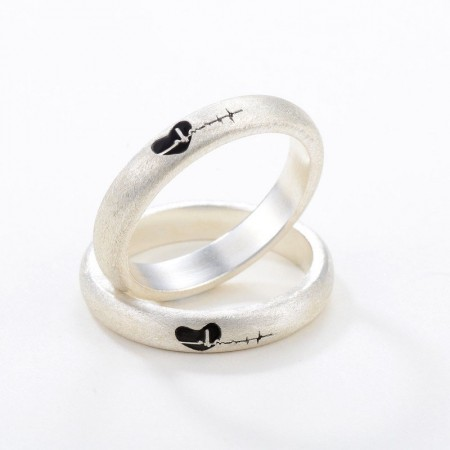 Simple Low-Key S925 Silver Creative Personality Heartbeat Couple Rings
