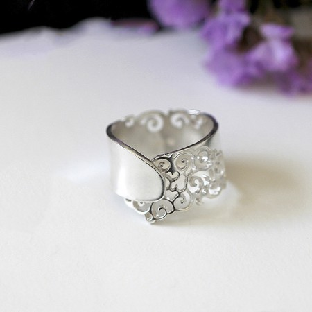 Original Design Retro Carved Hollow S990 Silver Woman's Ring