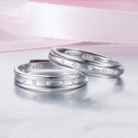 925 Silver Opening Lettering Couple Rings With Shiny CZ